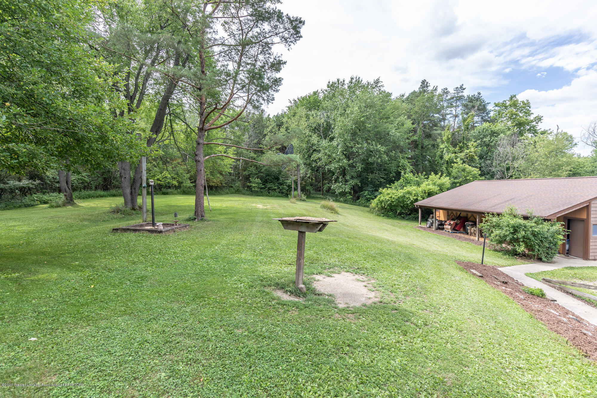 15986 Forest Hill Rd - foresthillback (1 of 1) - 34