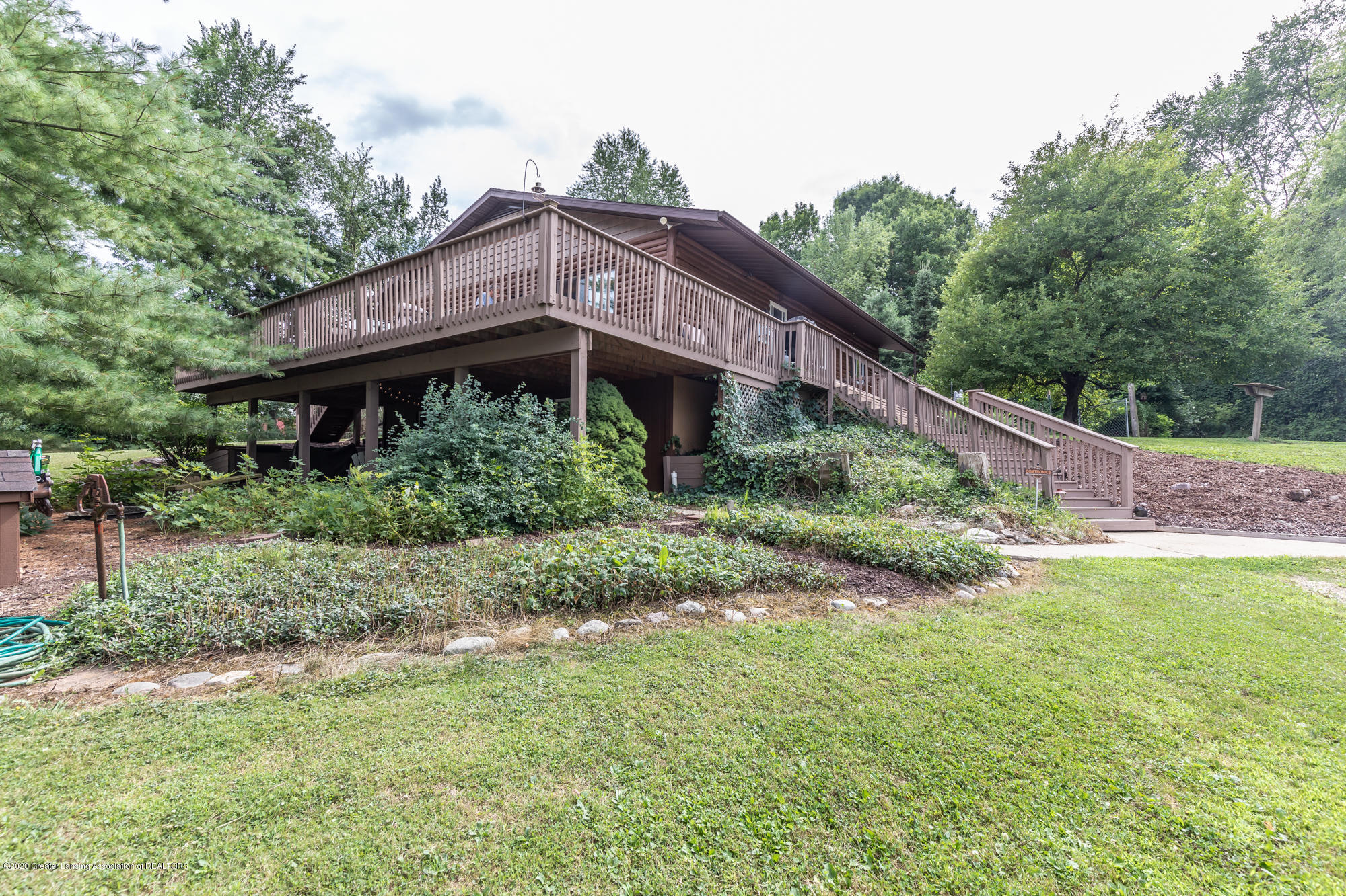 15986 Forest Hill Rd - foresthillfront (1 of 1) - 3