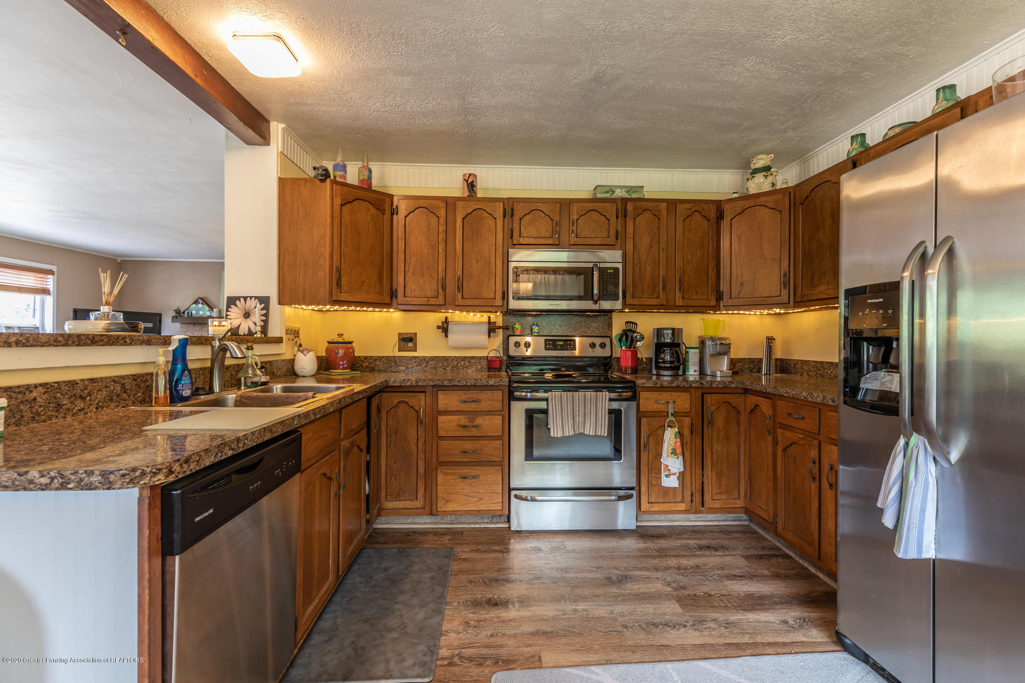 15986 Forest Hill Rd - foresthillkit2 (1 of 1) - 12