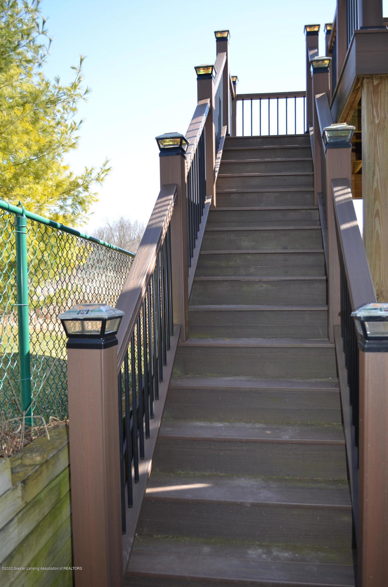 2349 Barnsbury Rd - Stairs to Upper Deck - 37