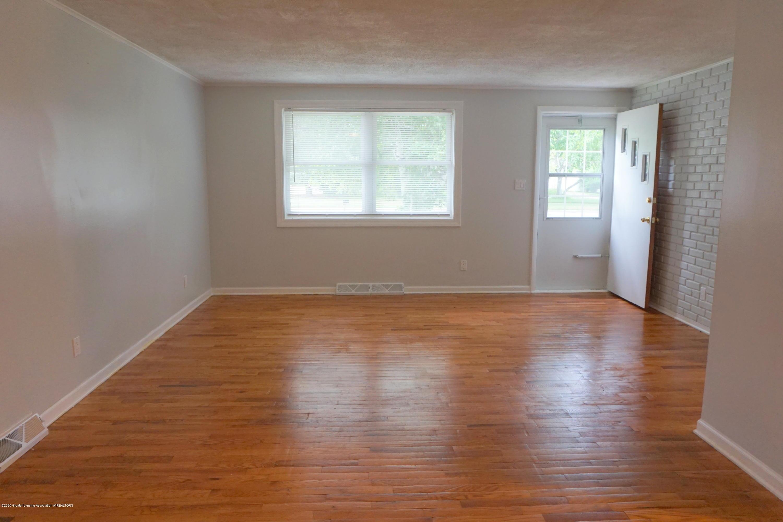 1141 Haslett Rd - Living Room - 4