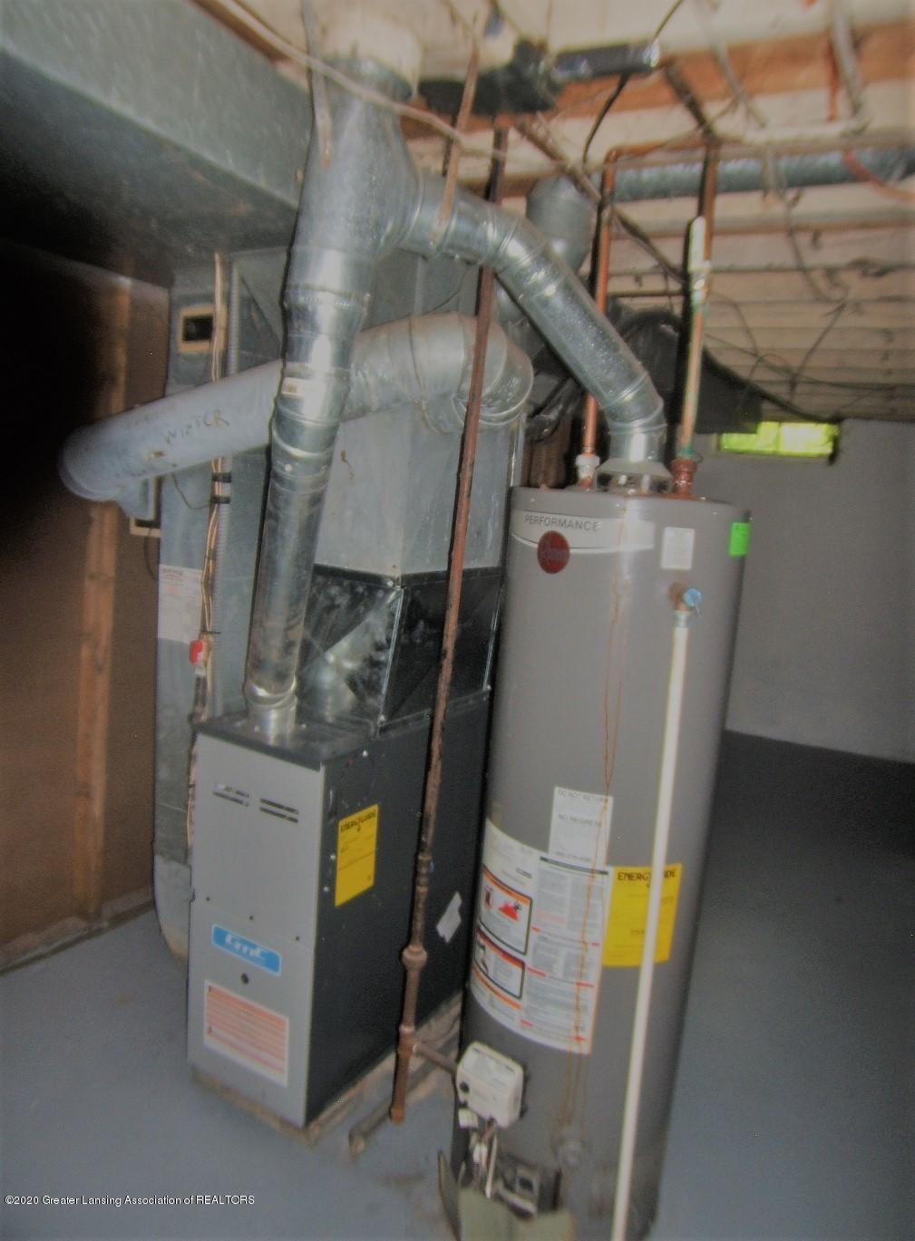 3208 W Jolly Rd - Newer Furnace / Water Heater - 14