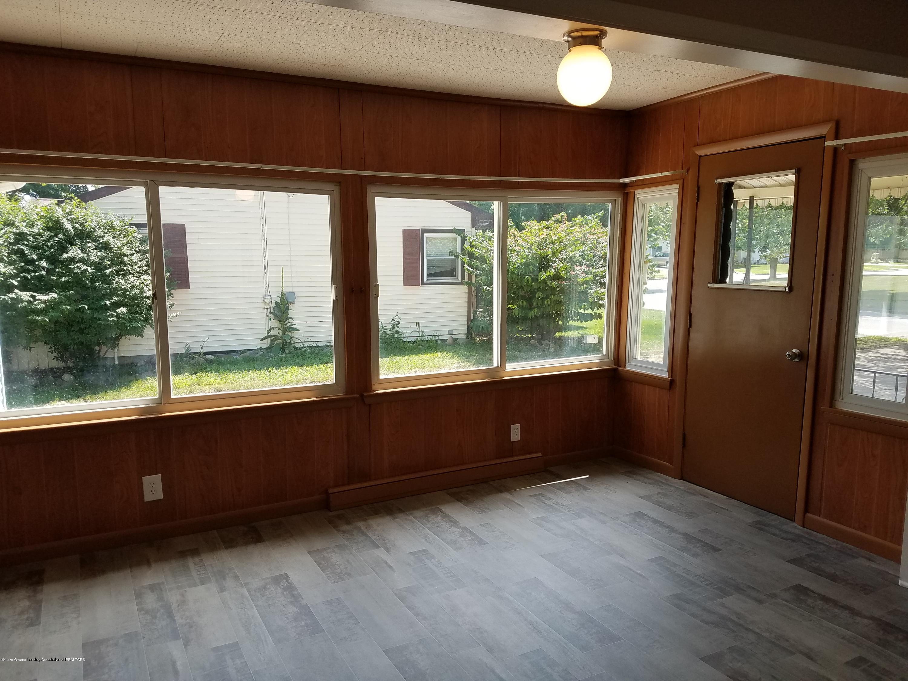 403 Meadowview Dr - Dining Room - 10