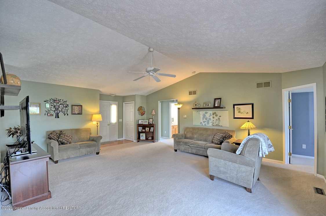 4402 Hyacinth Ln - Living Room - 2