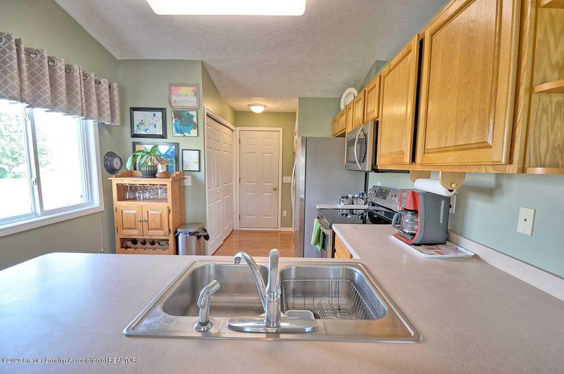 4402 Hyacinth Ln - Kitchen - 9