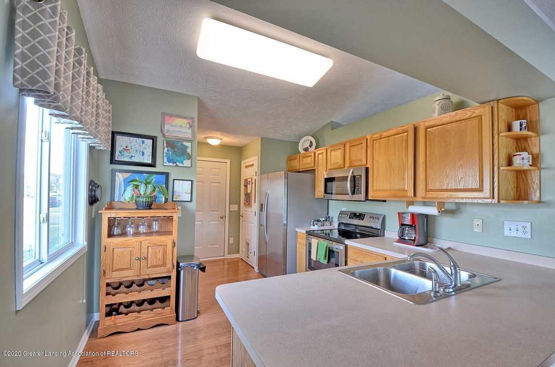 4402 Hyacinth Ln - Kitchen - 8