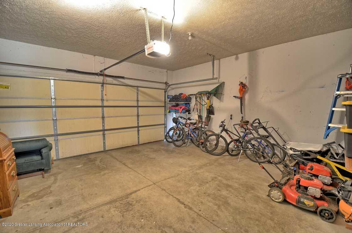 4402 Hyacinth Ln - Garage - 28