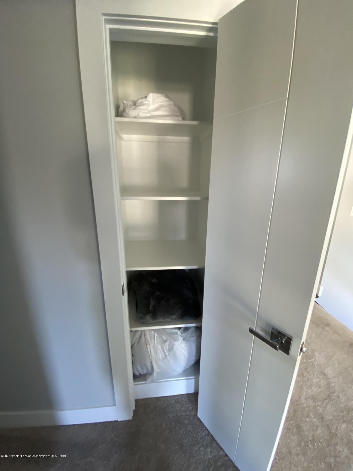 980 Audubon Rd - Linen Closet - 36