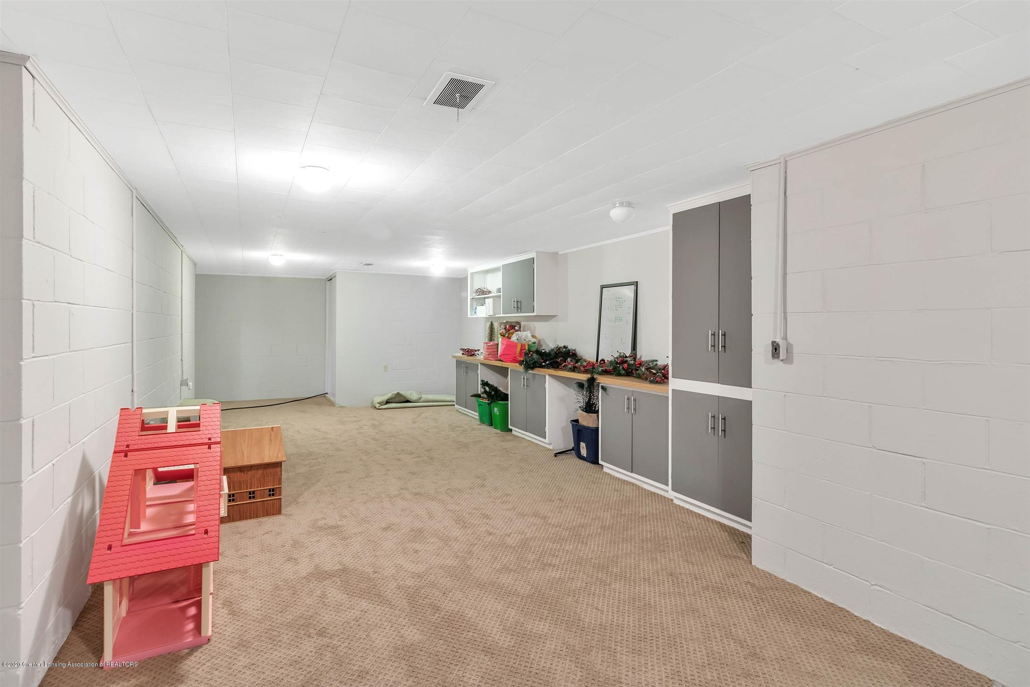 509 Walbridge Dr - LOWER LEVEL Storage Craft Area - 36