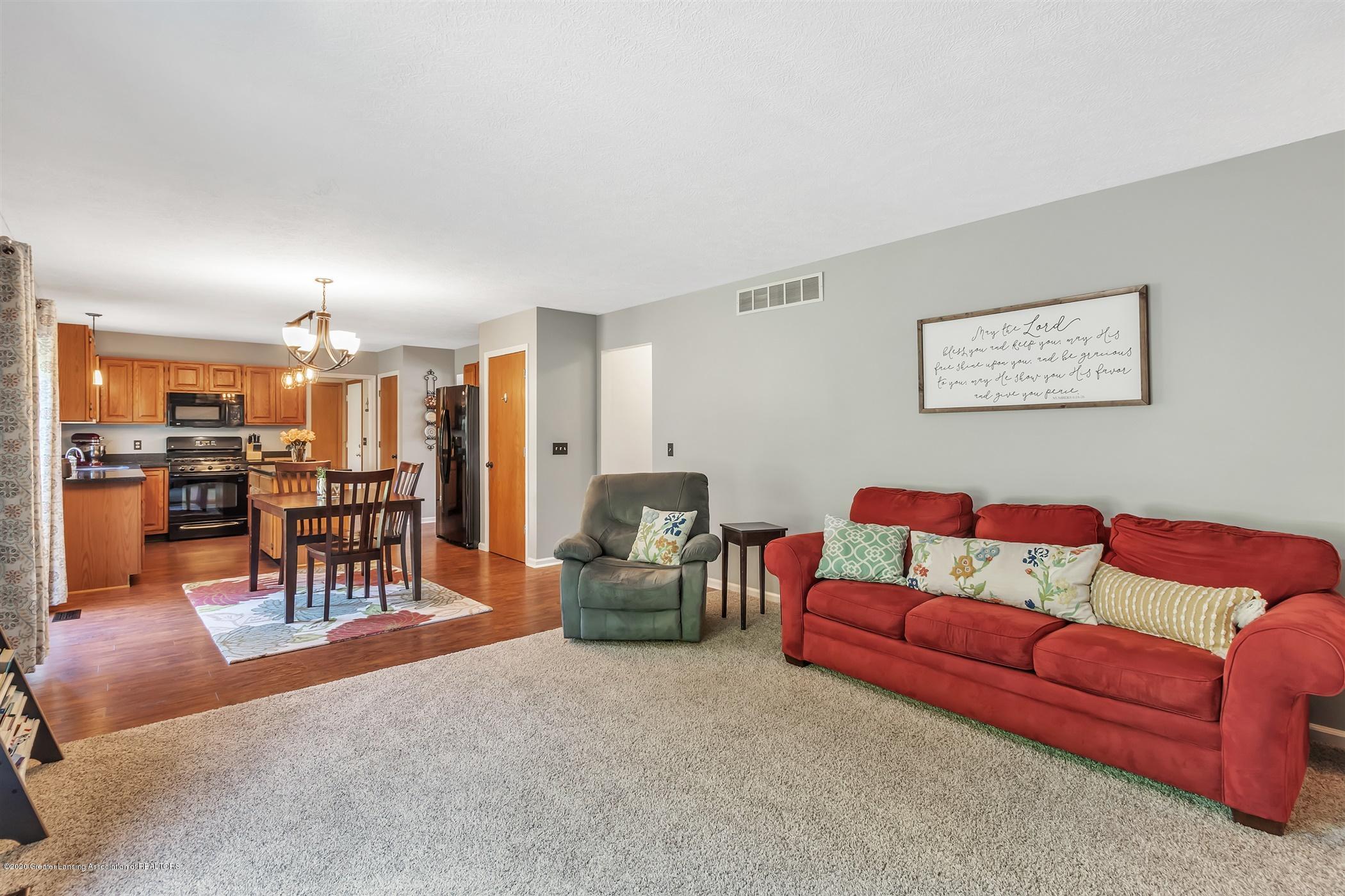 3820 Bush Gardens Ln - Living Room - 16