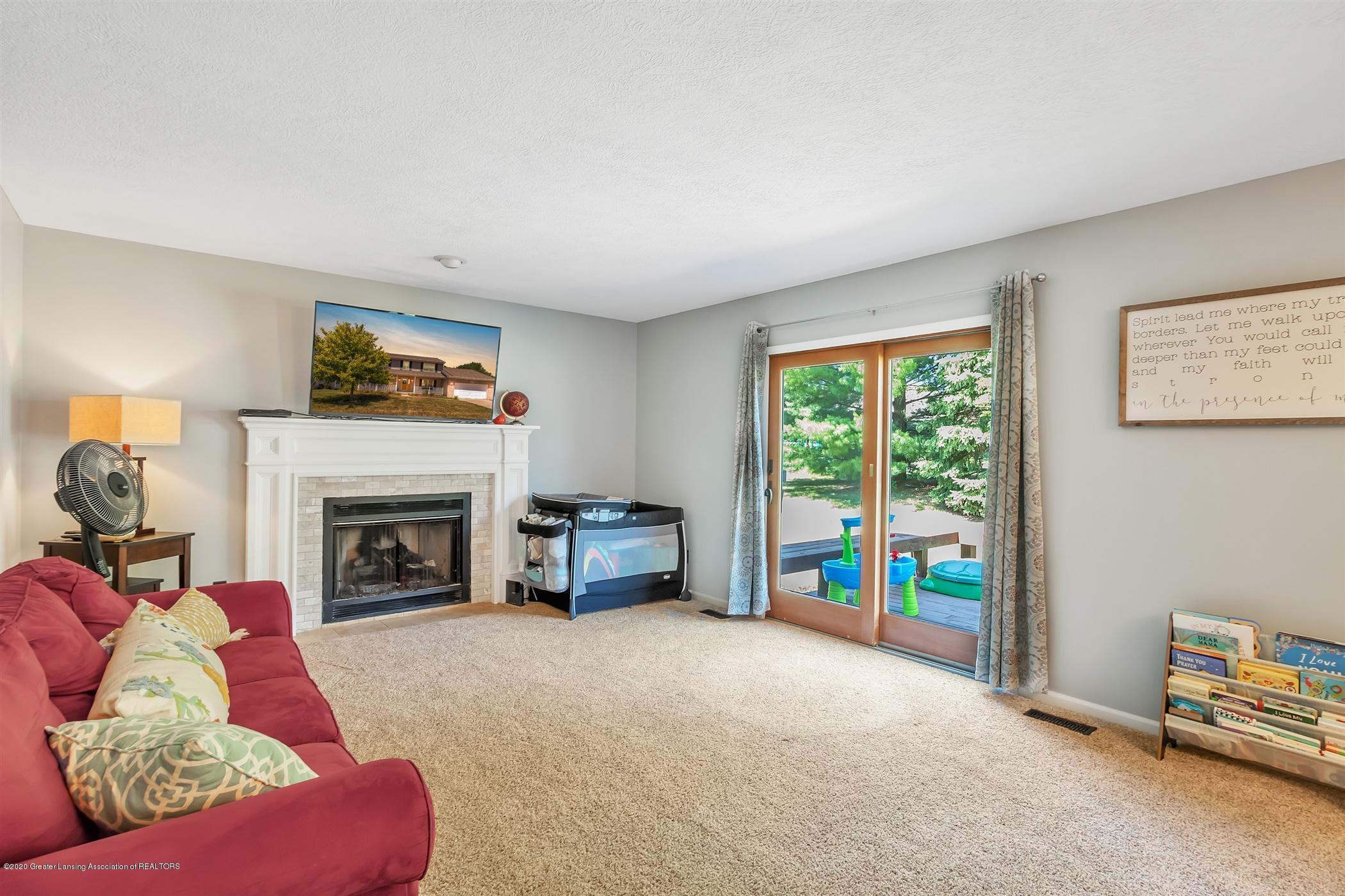 3820 Bush Gardens Ln - Living Room - 17