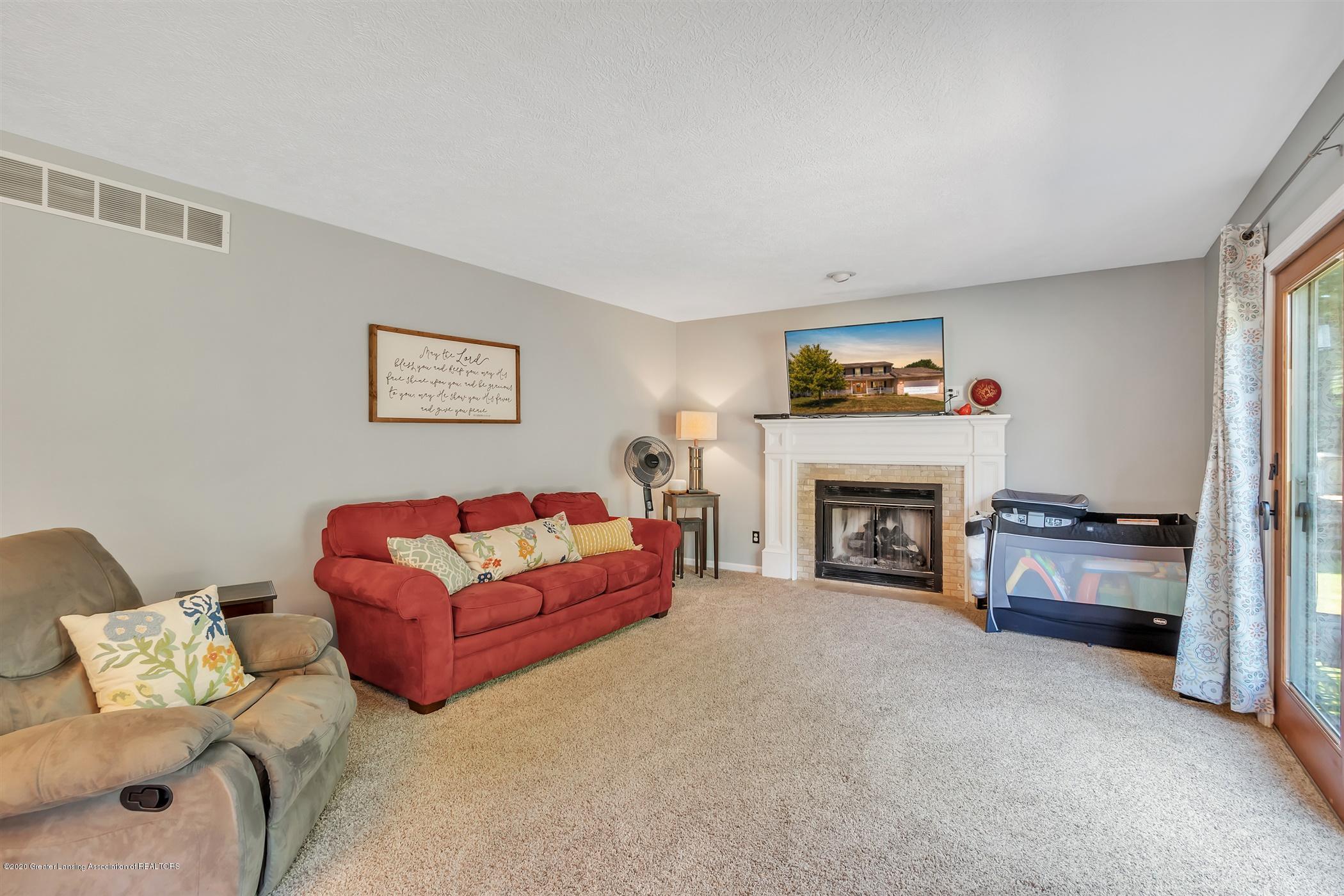 3820 Bush Gardens Ln - Living Room - 18