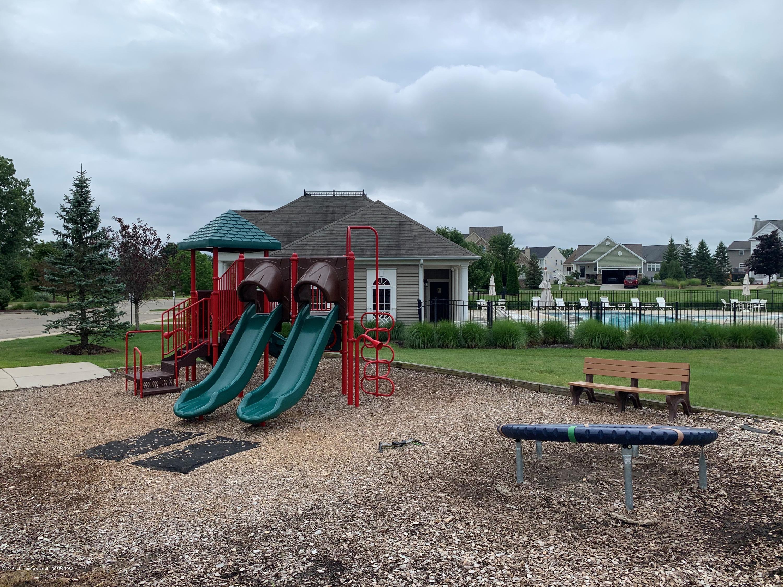 6678 Cotswald Dr - VP Playground - 27