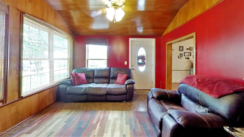1713 E Steel Rd - 1713-E-Steel-Rd-Living-Room - 5