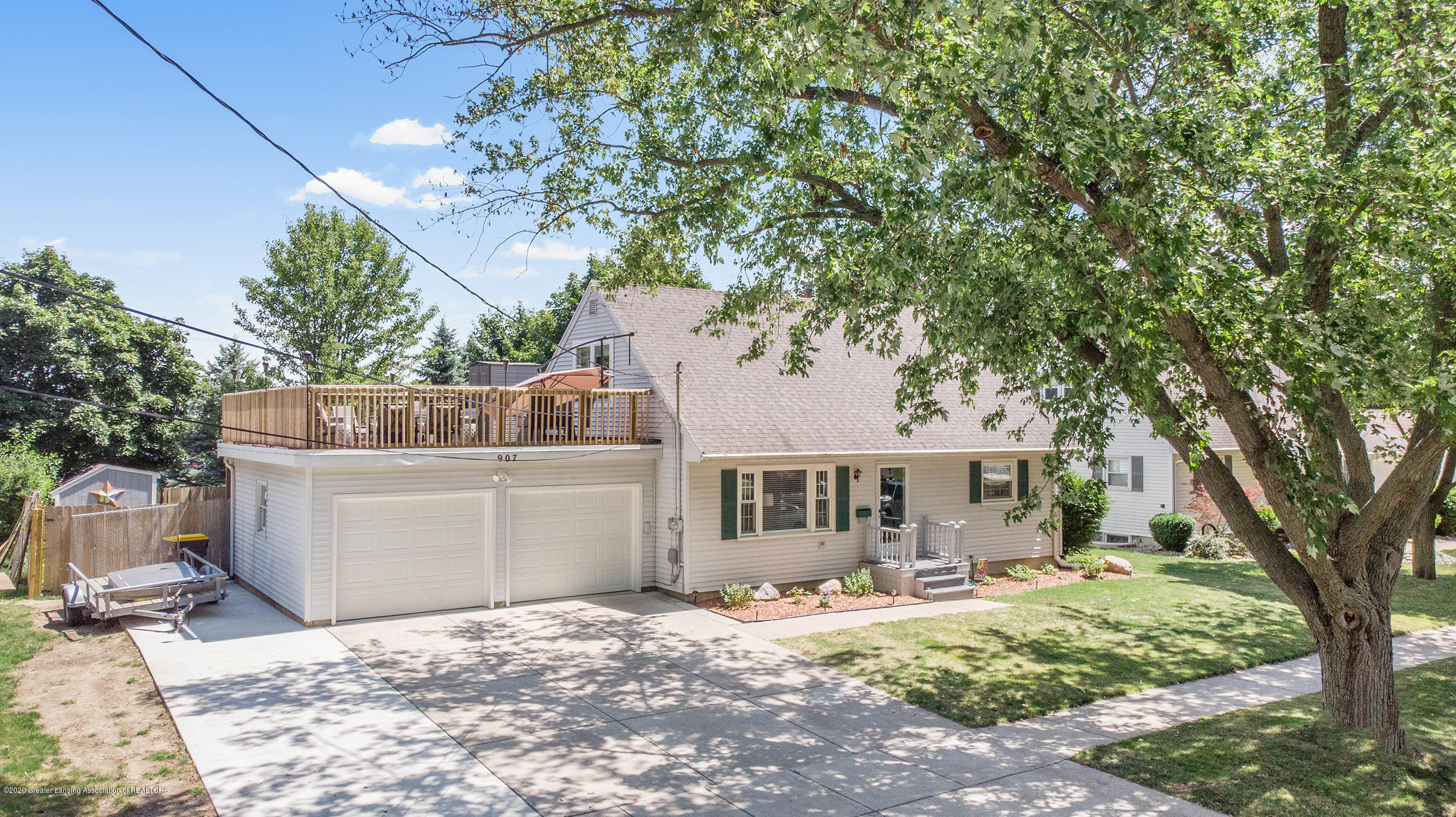907 Hampshire Dr - front - 1