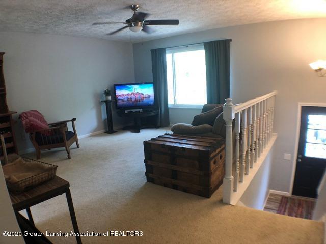6676 Crestview Dr - Living Room 3.JPEG - 4