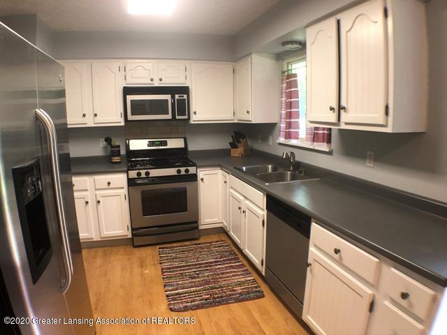6676 Crestview Dr - Kitchen 1.JPEG - 7
