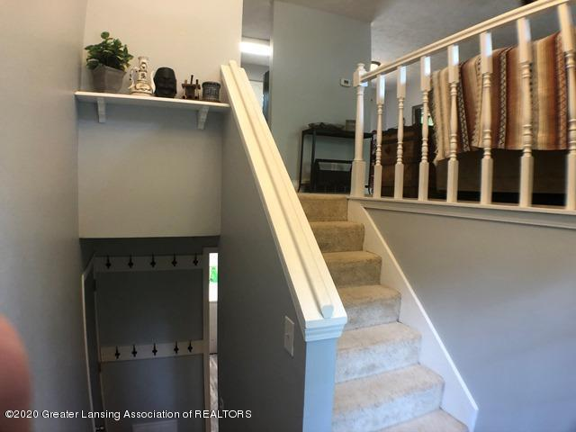 6676 Crestview Dr - Stairs 1.JPEG - 14