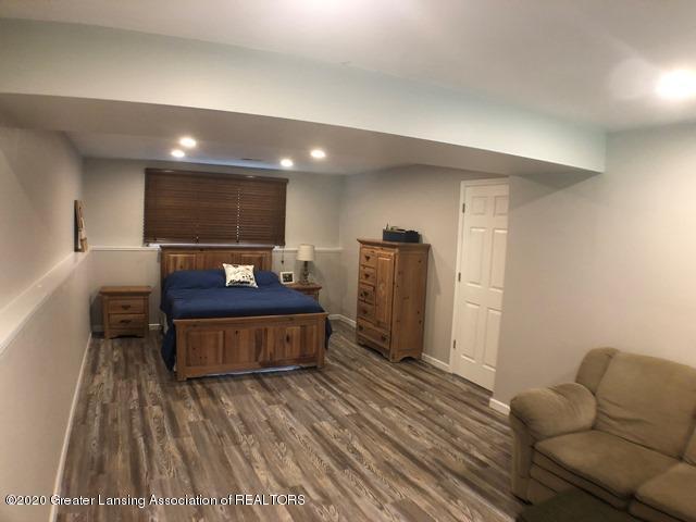 6676 Crestview Dr - Main Bedroom 3.JPEG - 16