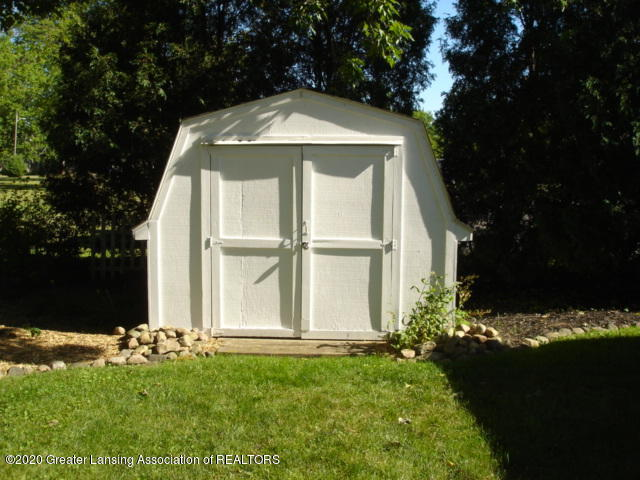 406 Giles St - shed - 9