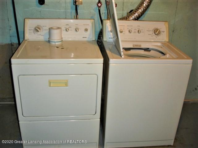 406 Giles St - washer/dryer - 22