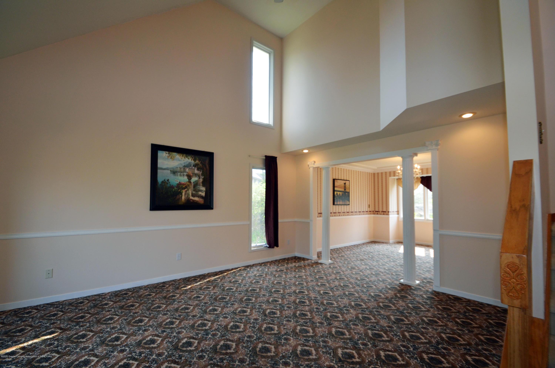 3536 Fairhills Dr - Living room - 5
