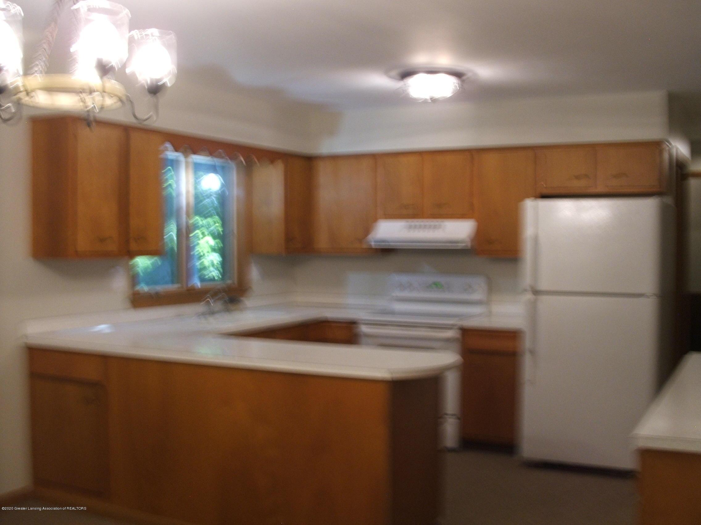 2293 M 21  - Kitchen - 6
