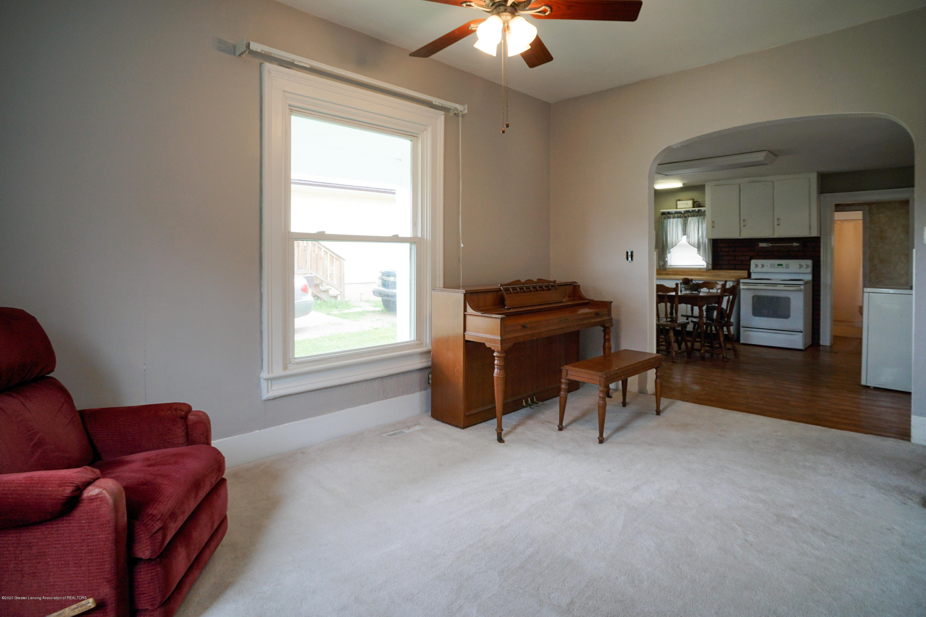 219 W 1st St - 218West1stStMLS-16 - 5