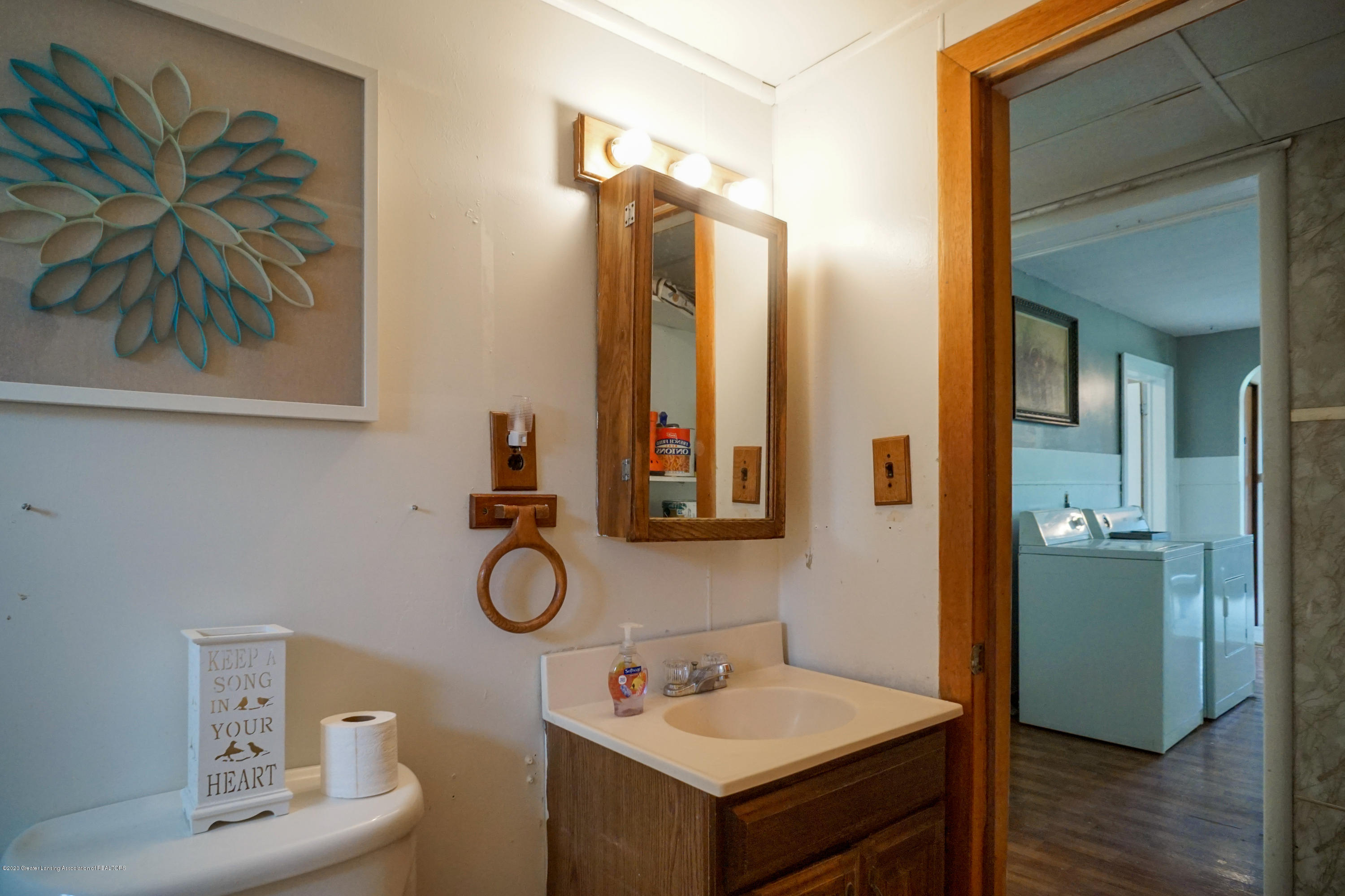 219 W 1st St - 218West1stStMLS-33 - 19