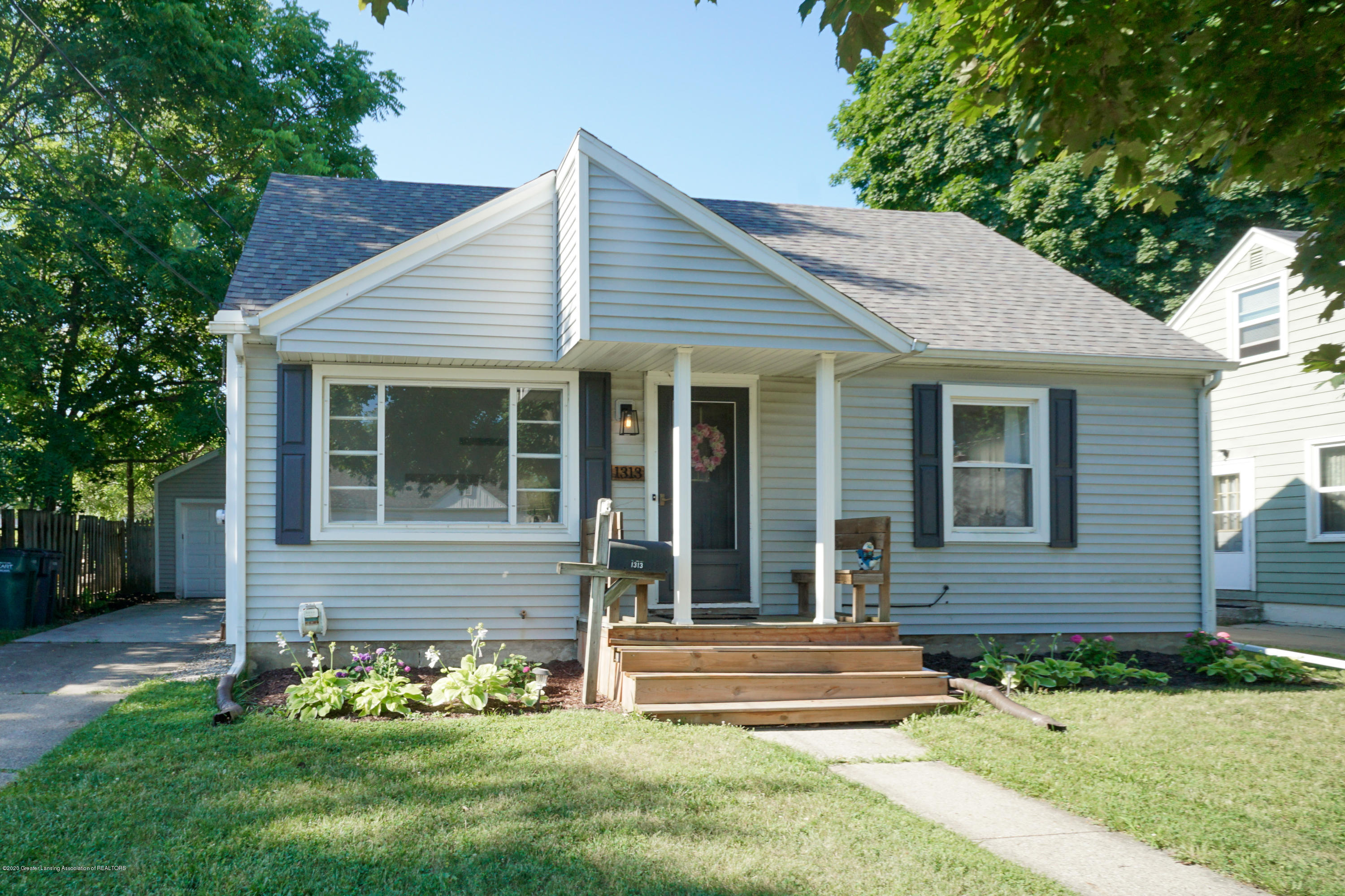 1313 Loraine Ave - Front - 1