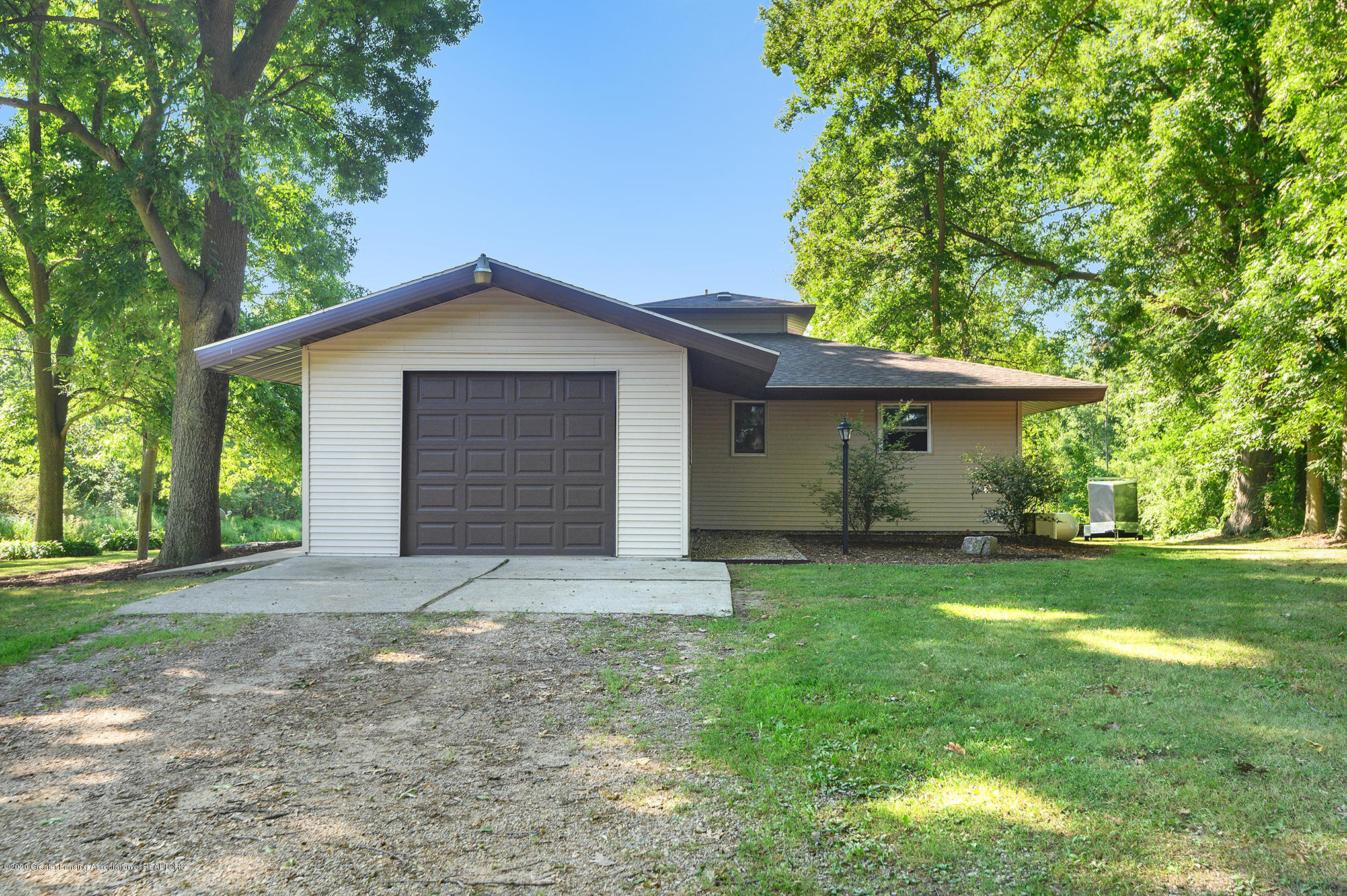 1251 W Maple Rapids Rd - CNG_5720 - 1