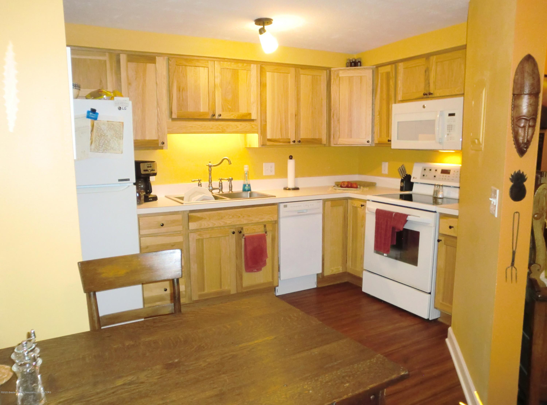 615 Glenmoor Rd 1a - Kitchen - 8