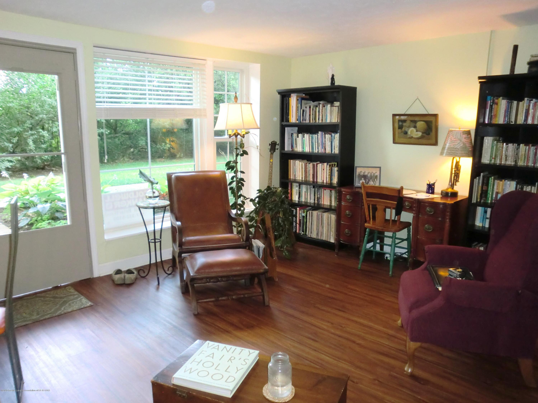 615 Glenmoor Rd 1a - Living Room - 11