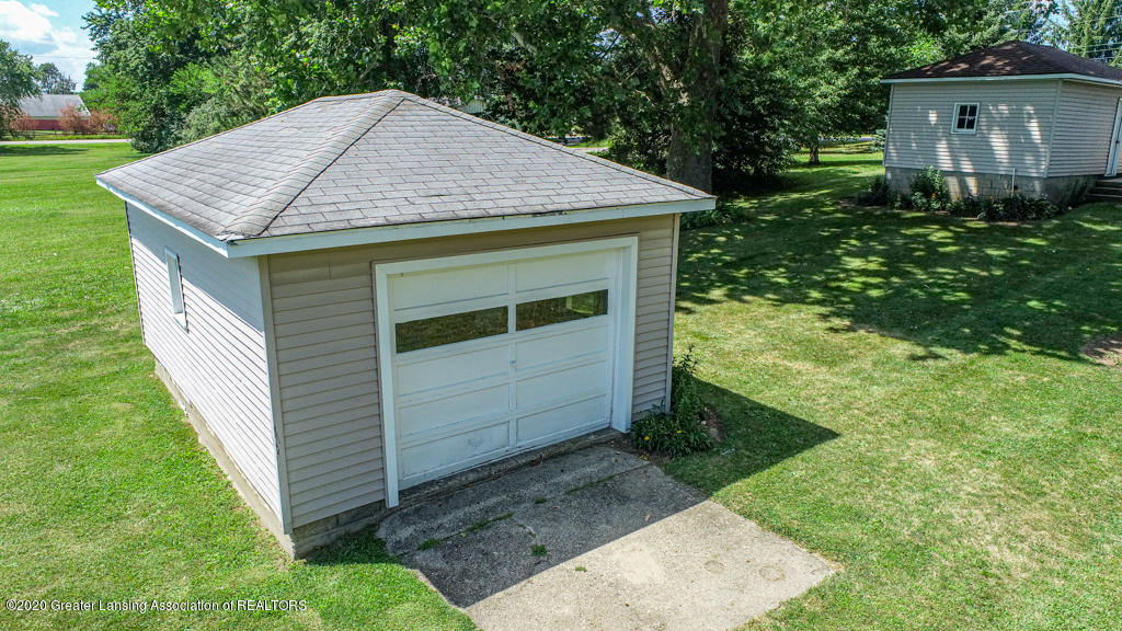 205 W Herbison Rd - Pole barn/shed - 35