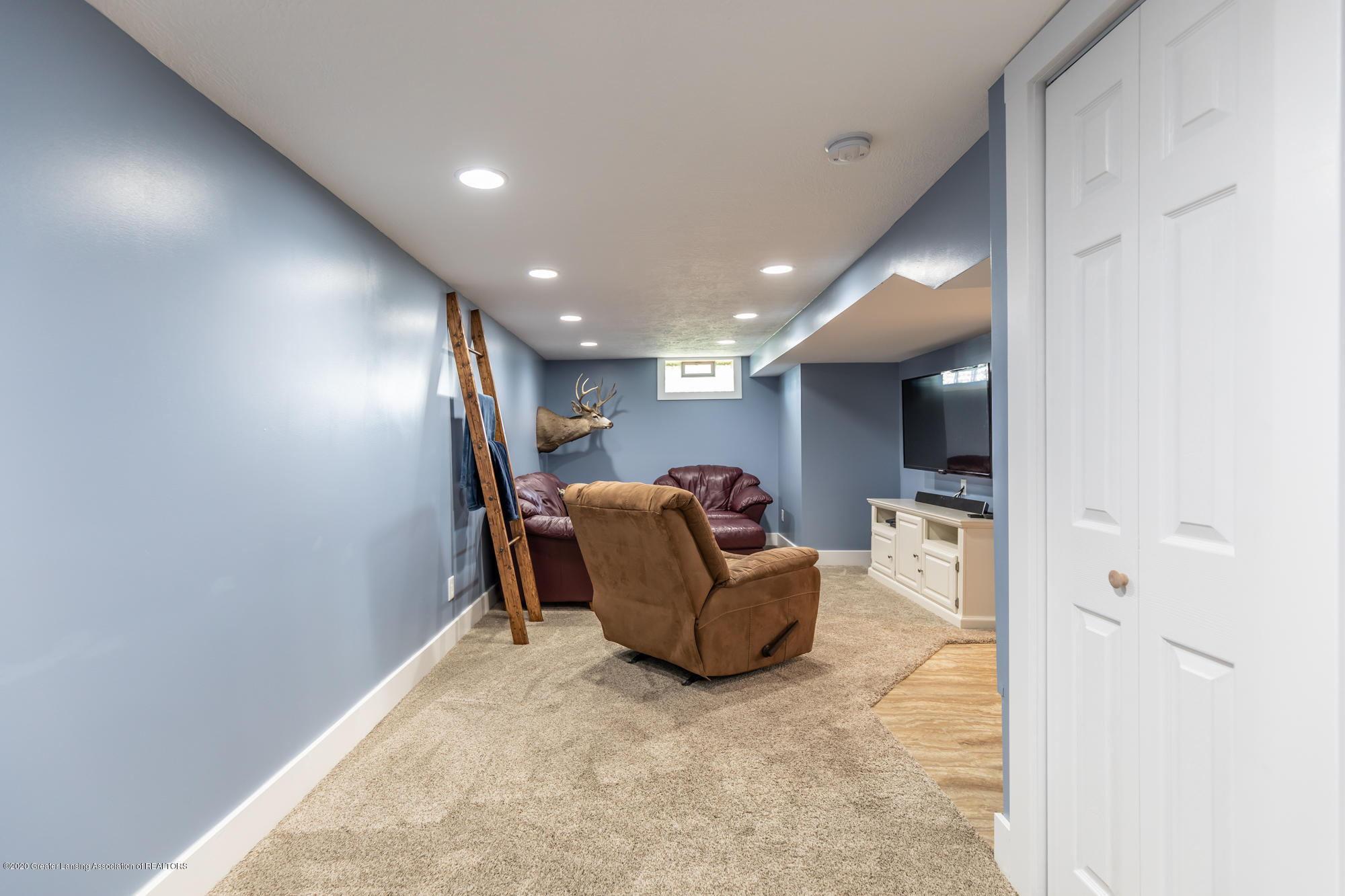 205 W Herbison Rd - Family Room - 23