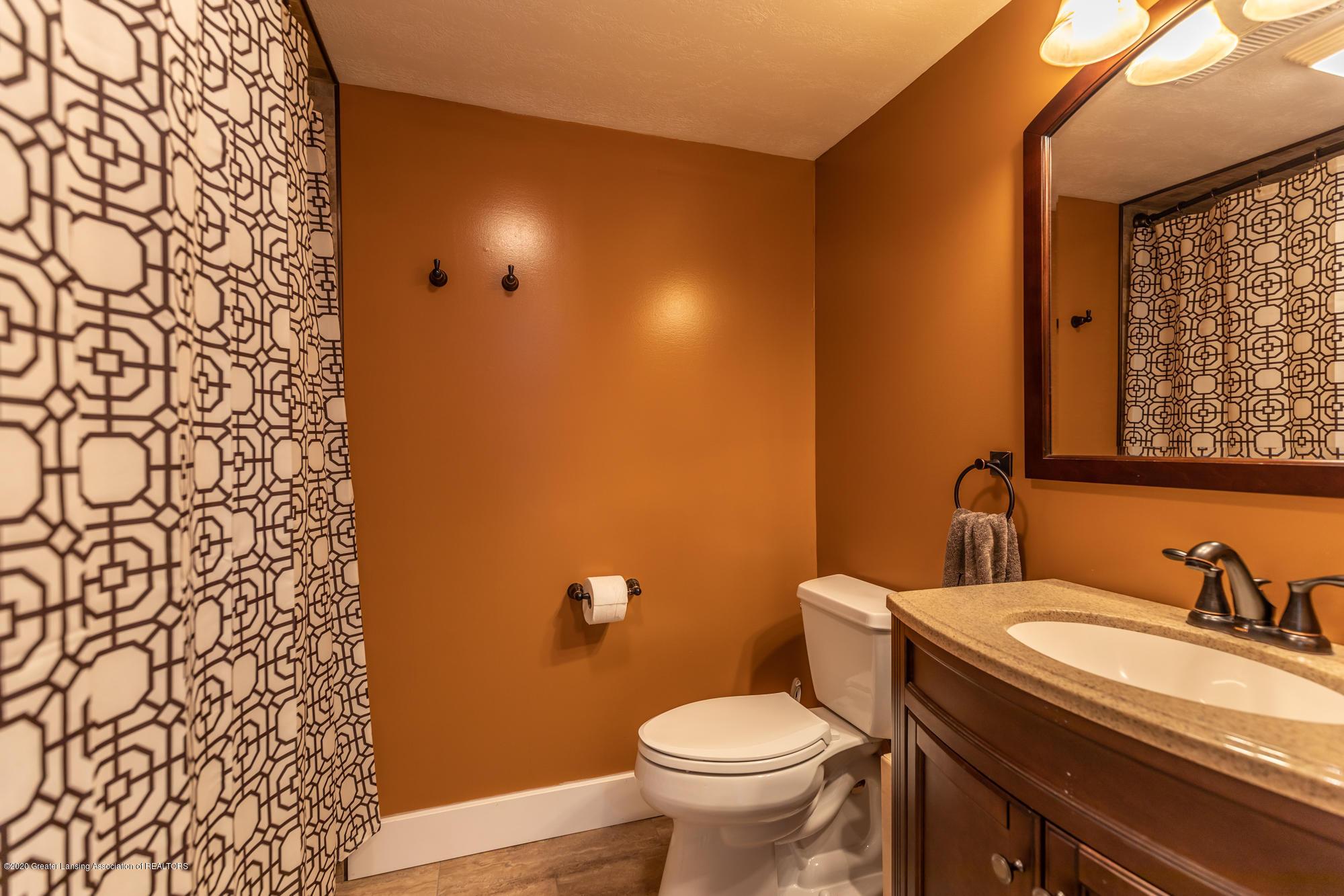 205 W Herbison Rd - Lower Level Bathroom - 27