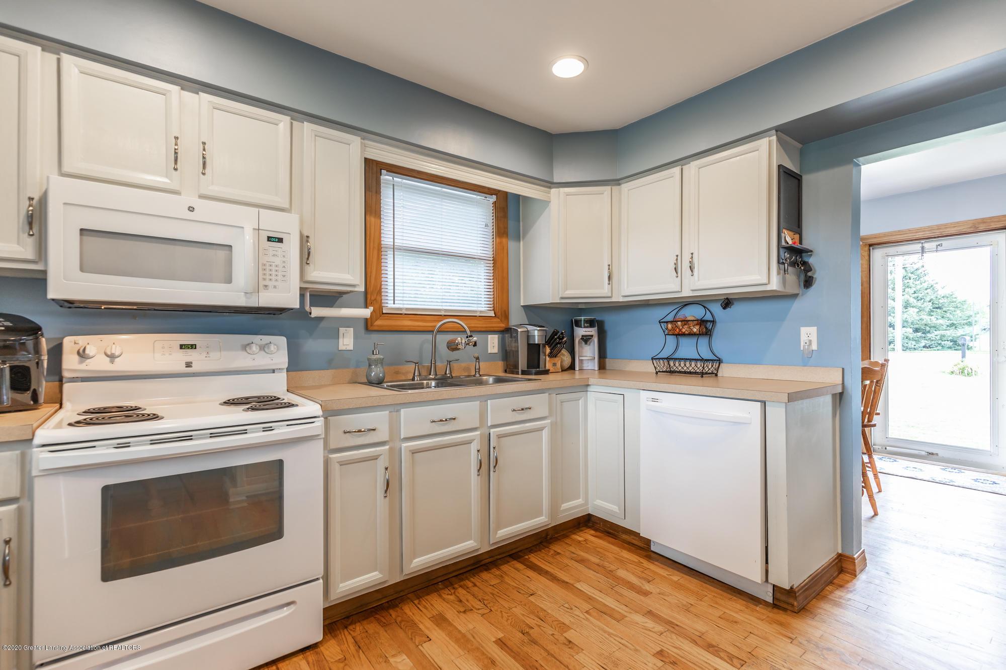 205 W Herbison Rd - Kitchen - 12