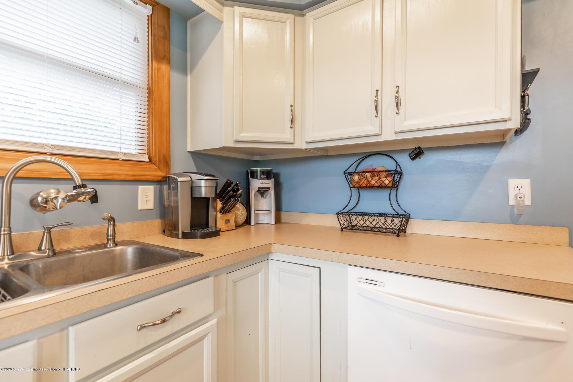 205 W Herbison Rd - Kitchen - 11