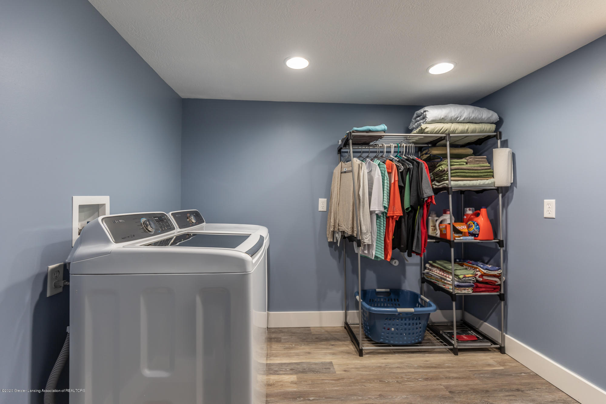 205 W Herbison Rd - Laundry - 31