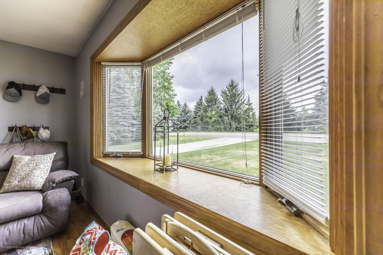 205 W Herbison Rd - Bay Window - 7