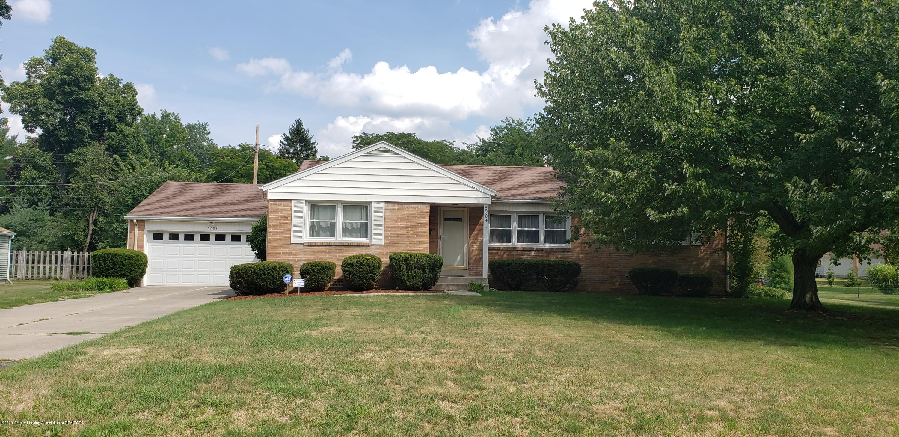 5204 E Brookfield Dr - Front - 1