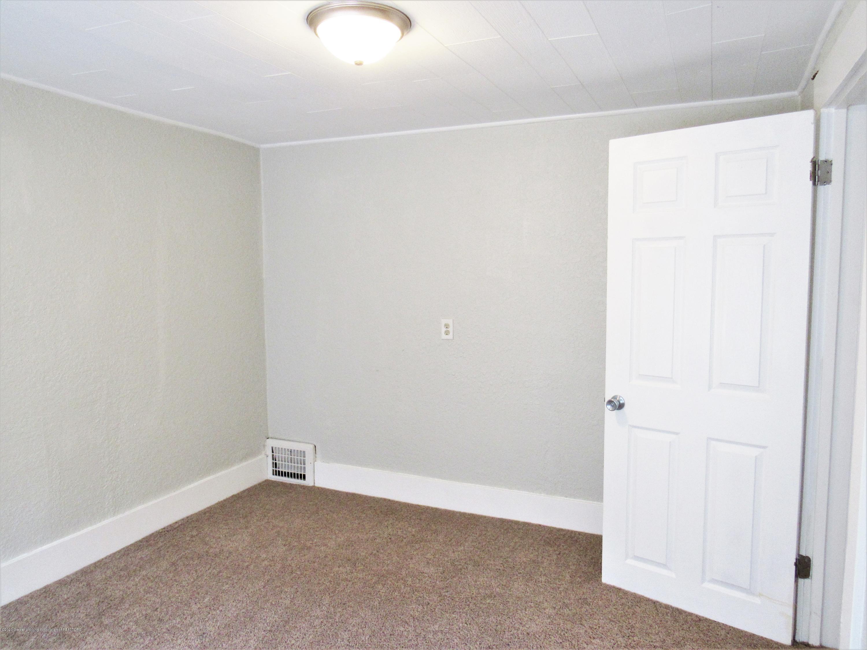 1308 W Ottawa St - Bedroom 4 View 2 - 25