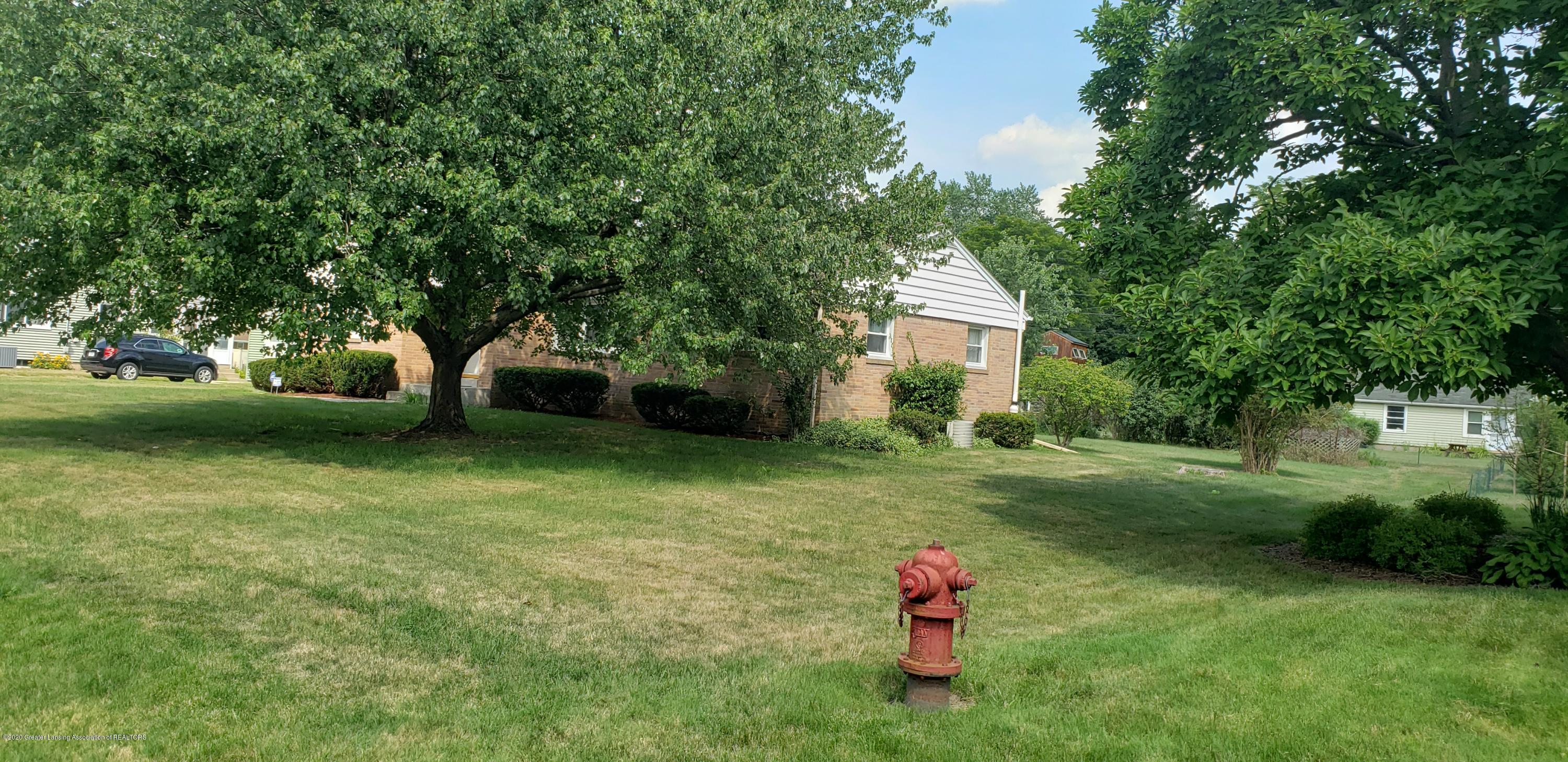 5204 E Brookfield Dr - Front-Fire Hydrant - 9