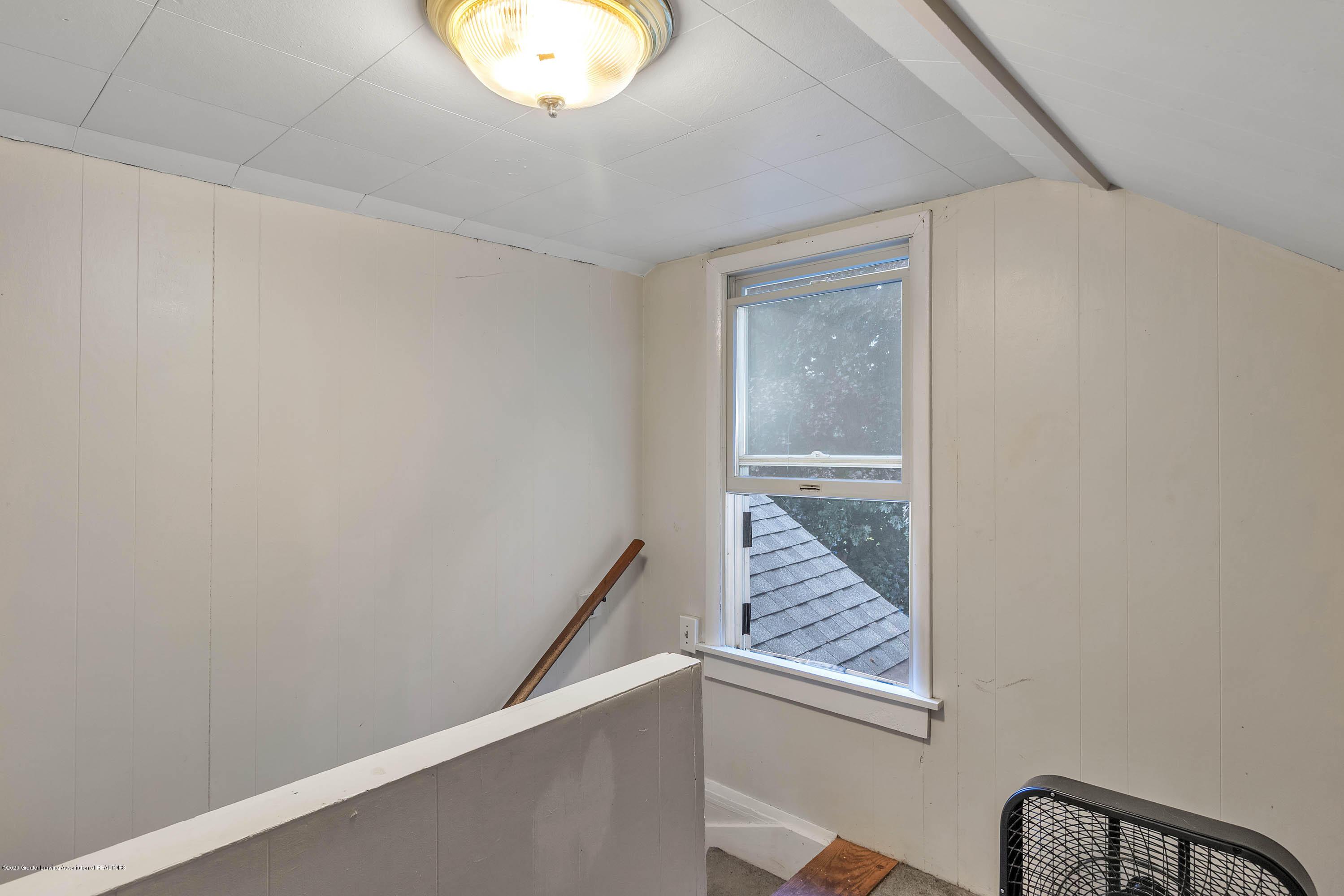 1126 Gordon Ave - 19-1126 Gordon Ave-WindowStill-Real - 20