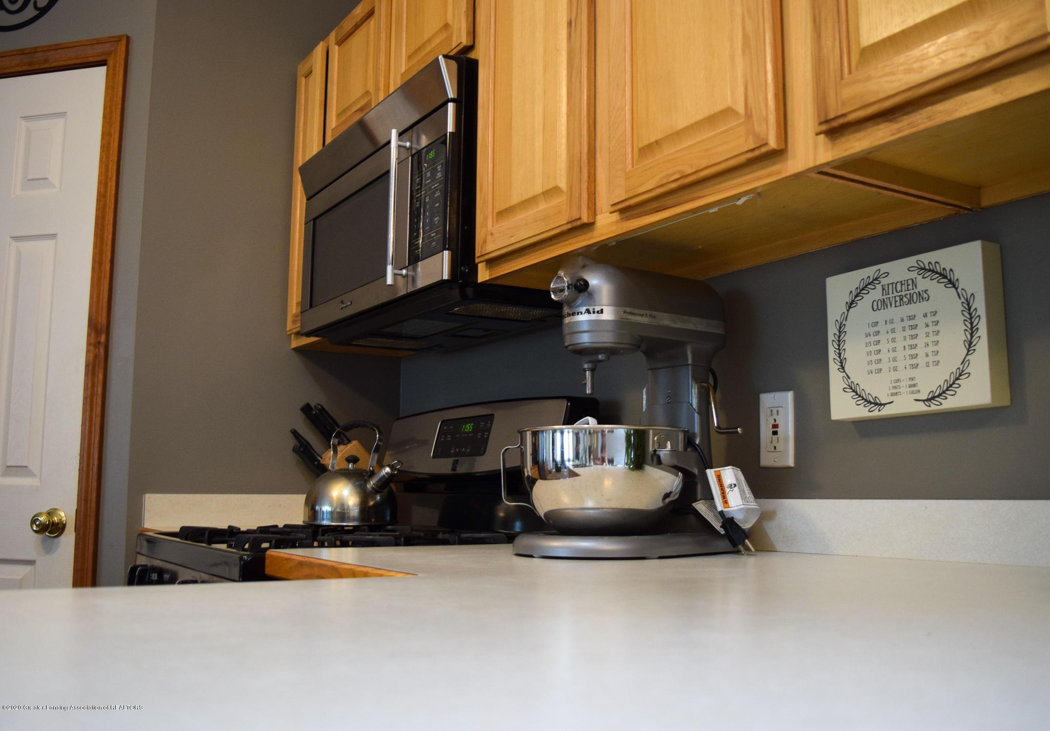 8346 W Bennington Rd - Kitchen - 17