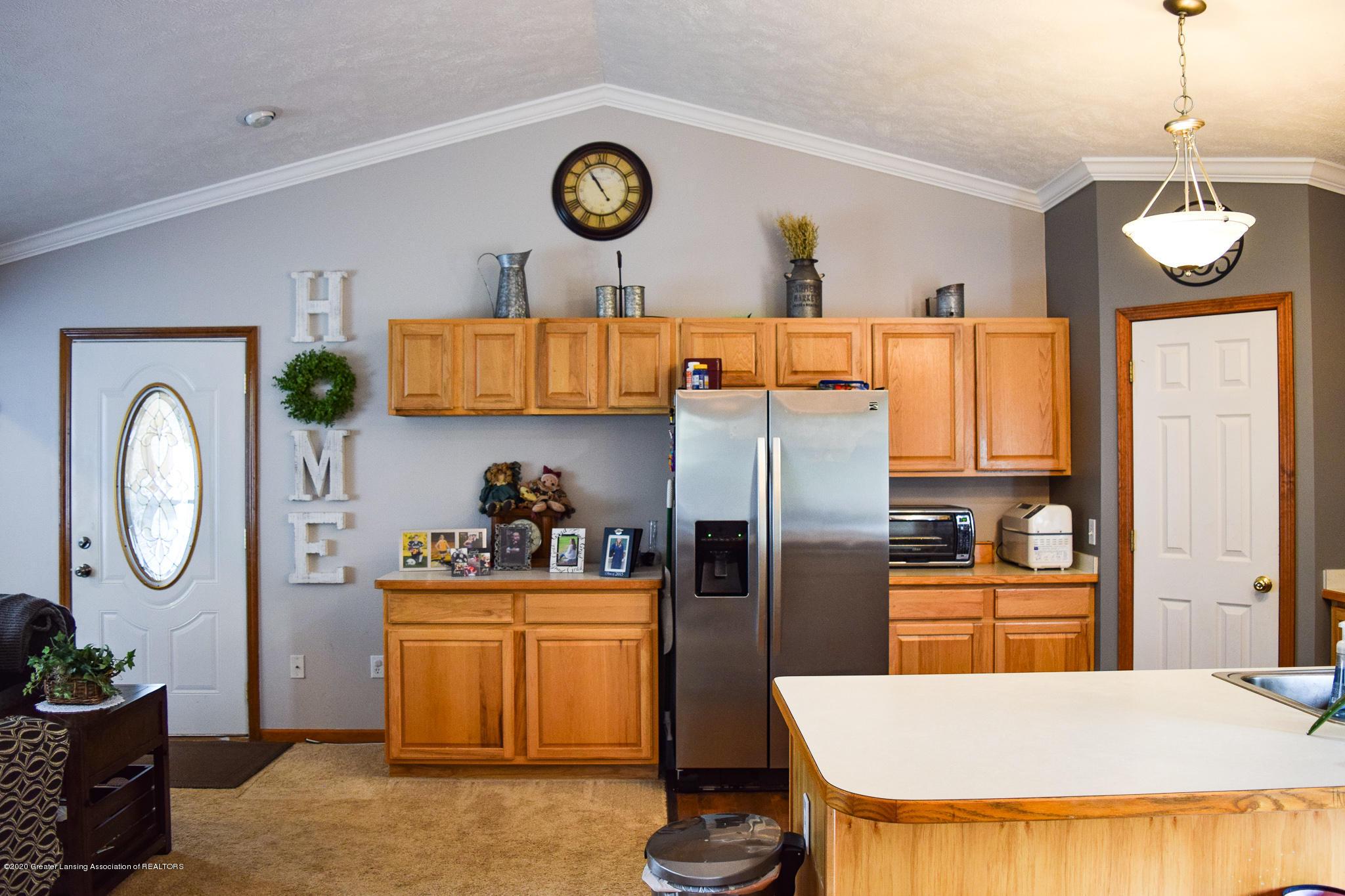 8346 W Bennington Rd - Kitchen - 15