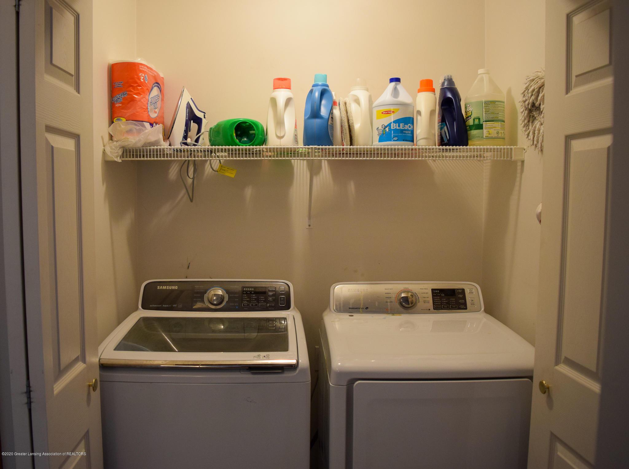 8346 W Bennington Rd - First floor laundry - 30