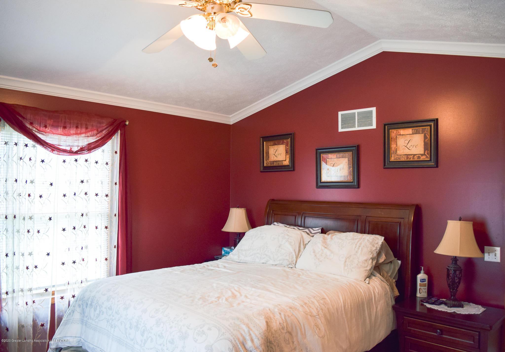 8346 W Bennington Rd - Master Bedroom - 20