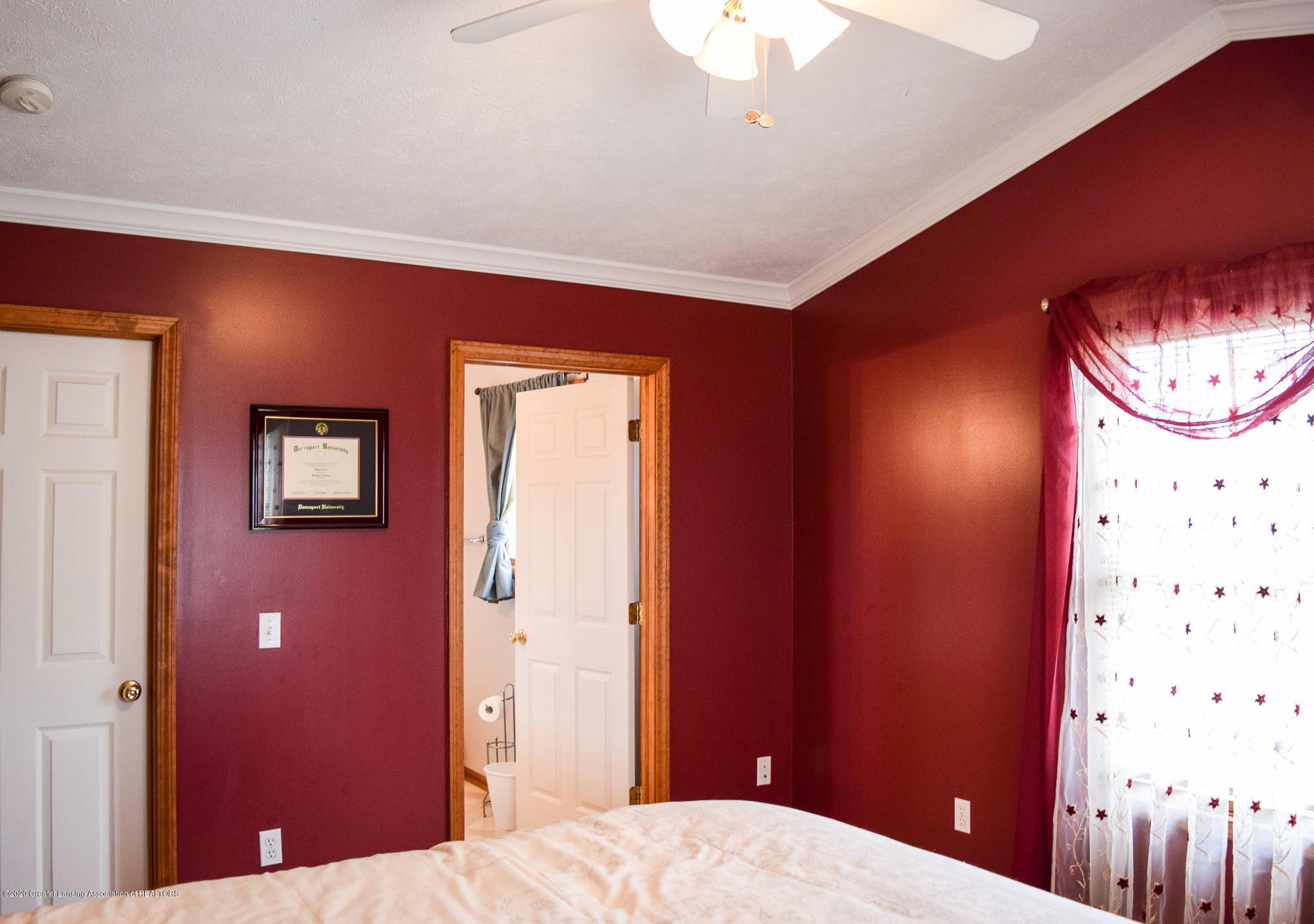 8346 W Bennington Rd - Master Bedroom - 22