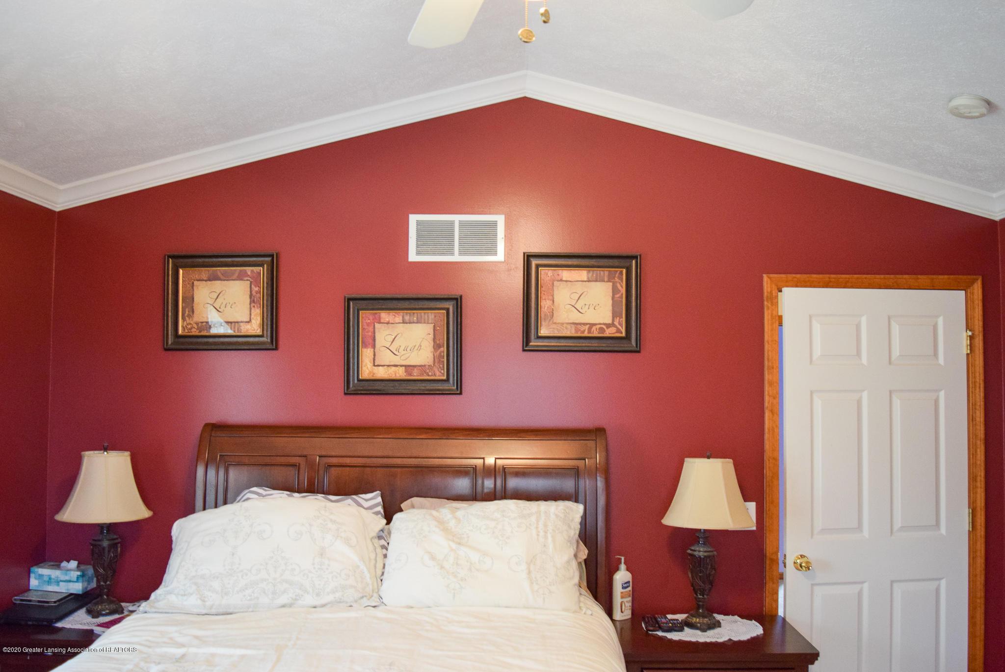 8346 W Bennington Rd - Master Bedroom - 21